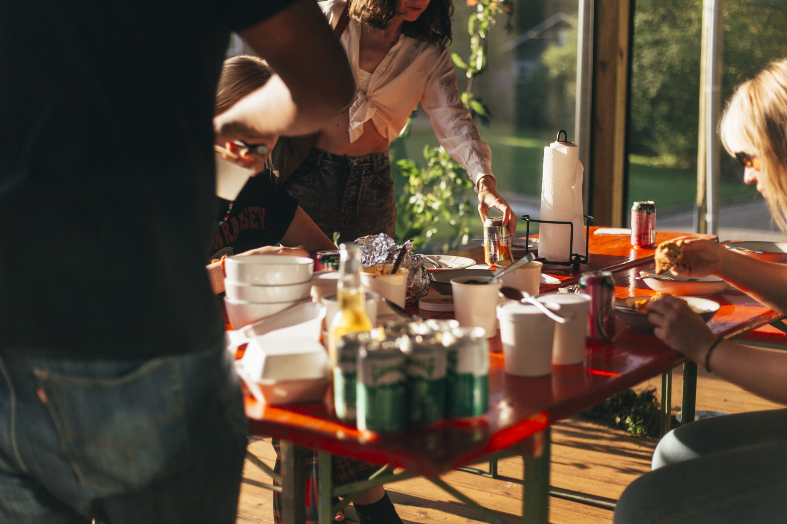 Outdoor patio meal share
